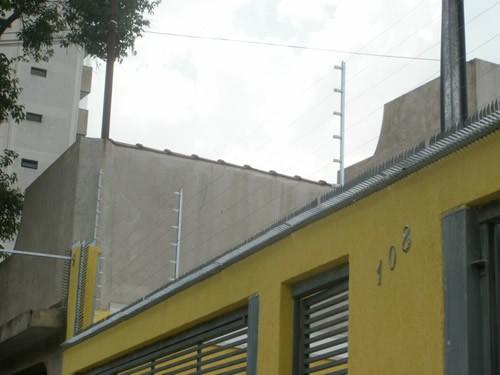 Central de alarme residencial com cerca elétrica